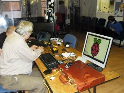 Working with a Raspberry Pi and a robotic arm